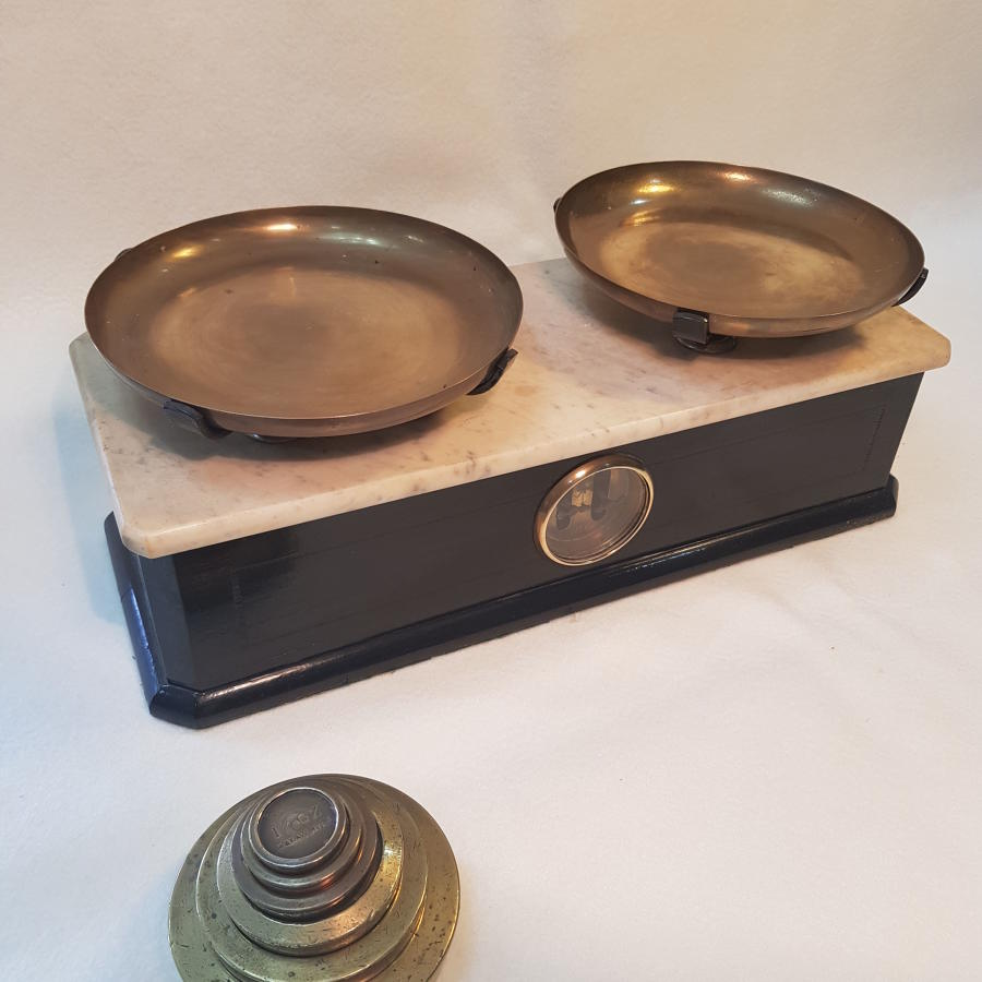 Early 20th Century Ebonised Onyx Scales And Graduated Weights