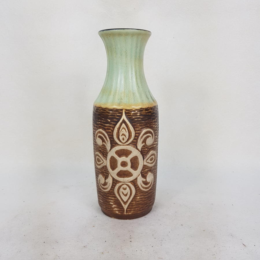 Medium Bay Keramik 1960s/70s Mint and Brown Vase 68/25